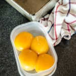 egg-yolks-storing